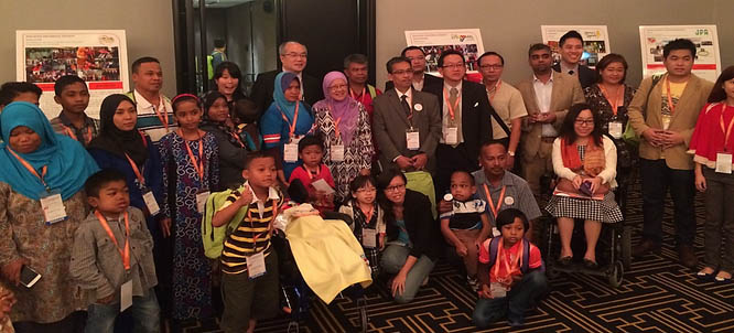 Participants from Malaysia: Members from MRDS, Malaysia Lysosomal Diseases Association and Malaysia Metabolic Society together with Datuk Azman Abu Bakar, MOH Malaysia and the Conference Organising Chairman,  Mr Rajakanth R.